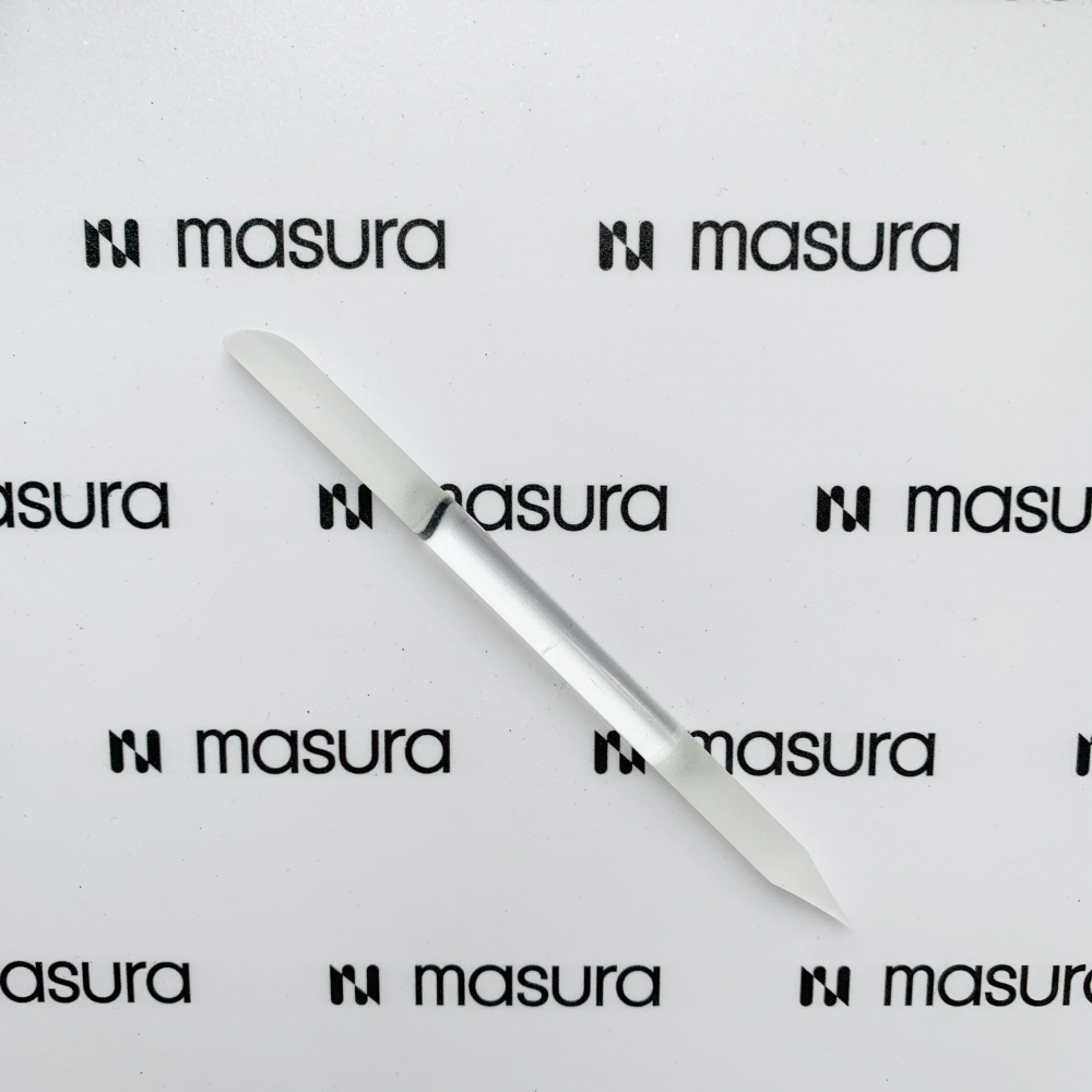 Стеклянная пилка-карандаш для кутикулы и придания формы ногтям